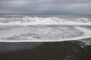 ビーチ ・ 波音の調べ 心に響く…の写真素材 [FYI01201420]