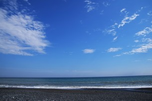 ビーチ ・ 波音の調べ 心に響く…の写真素材 [FYI01201422]