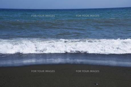 ビーチ ・ 波音の調べ 心に響く…の写真素材 [FYI01201424]