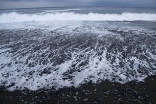 ビーチ ・ 波音の調べ 心に響く…の写真素材 [FYI01201430]