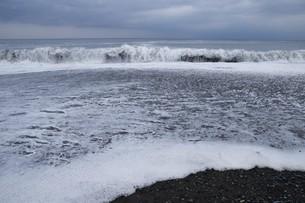 ビーチ ・ 波音の調べ 心に響く…の写真素材 [FYI01201432]