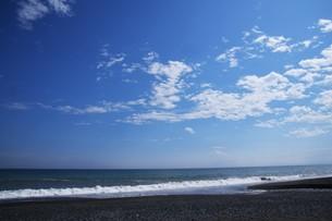 ビーチ ・ 波音の調べ 心に響く…の写真素材 [FYI01201434]