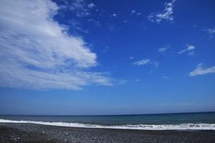 ビーチ ・ 波音の調べ 心に響く…の写真素材 [FYI01201435]
