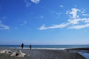 ビーチ ・ 波音の調べ 心に響く…の写真素材 [FYI01201437]