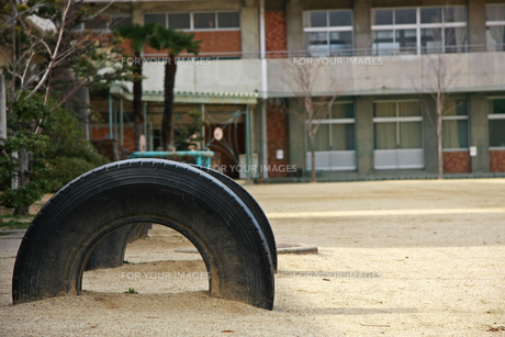 タイヤ 遊び場の写真素材 [FYI01201534]