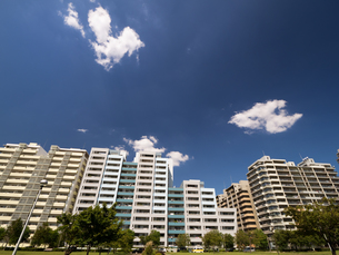 幕張の高層マンション街の写真素材 [FYI01201963]