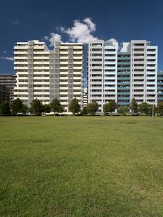 幕張の高層マンション街の写真素材 [FYI01201965]