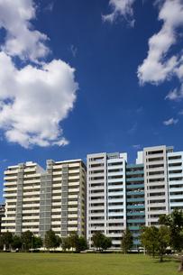 幕張の高層マンション街の写真素材 [FYI01201972]