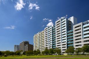幕張の高層マンション街の写真素材 [FYI01201976]