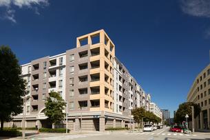 幕張の高層マンション街の写真素材 [FYI01201986]