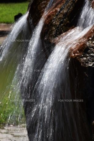 公園の噴水の写真素材 [FYI01202235]