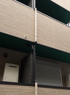 アパートの雨樋の写真素材 [FYI01202460]