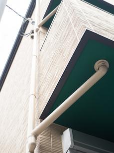 アパートの雨樋の写真素材 [FYI01202461]