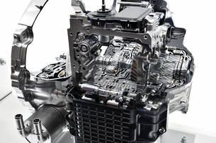 オートマチックトランスミッションのカットモデルの写真素材 [FYI01202543]