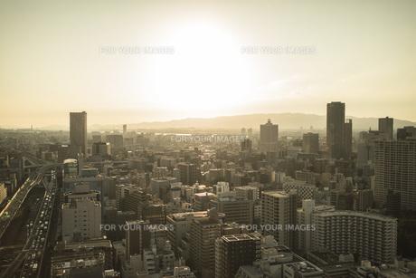 夕方の都会の街の写真素材 [FYI01202858]