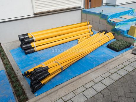 電線の防護パイプの写真素材 [FYI01202878]