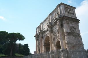 コンスタンティヌスの凱旋門の写真素材 [FYI01203146]
