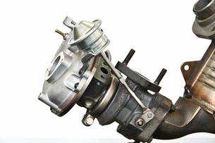 ターボエンジンの排気系部品の写真素材 [FYI01203287]