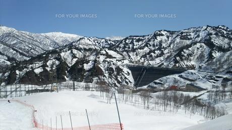 スキー場とダムの写真素材 [FYI01203385]