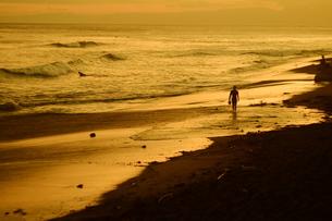 サンセットビーチ2の写真素材 [FYI01203442]