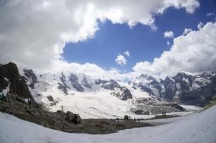 空と雲と山の写真素材 [FYI01203456]