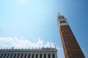サンマルコ広場 鐘楼の写真素材 [FYI01203673]