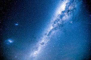 南半球の天の川の写真素材 [FYI01203942]