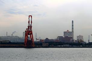 港の重工業地帯の写真素材 [FYI01204282]