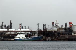 港の重工業地帯の写真素材 [FYI01204287]