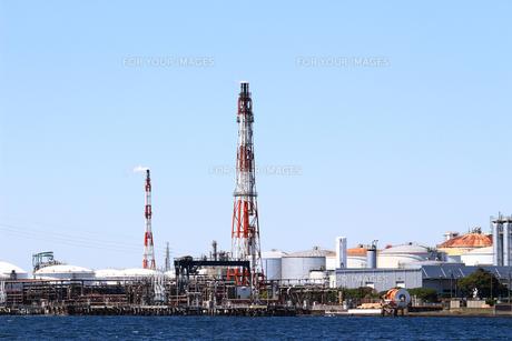 港の重工業地帯の写真素材 [FYI01204291]