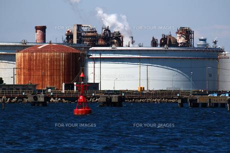 港の重工業地帯の写真素材 [FYI01204296]