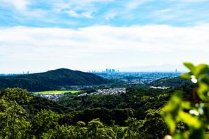 定光寺の展望台から見た名古屋方面の風景の写真素材 [FYI01204345]