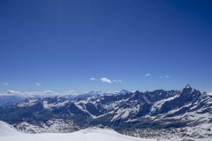 空の雲とアルプス連峰の写真素材 [FYI01204693]