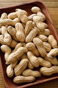 ピーナッツ 殻付きの写真素材 [FYI01204697]
