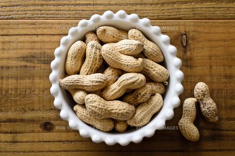 ピーナッツ 殻付きの写真素材 [FYI01204699]