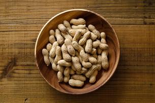 ピーナッツ 殻付きの写真素材 [FYI01204701]