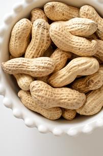 ピーナッツ 殻付きの写真素材 [FYI01204702]