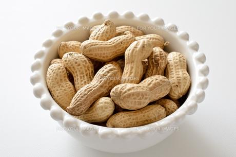 ピーナッツ 殻付きの写真素材 [FYI01204703]