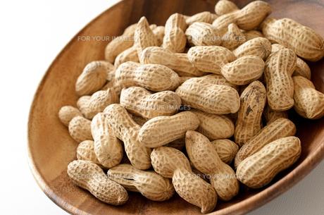 ピーナッツ 殻付きの写真素材 [FYI01204704]