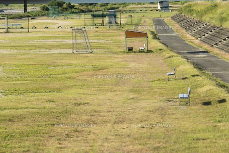 サッカーグランド ベンチの写真素材 [FYI01205039]