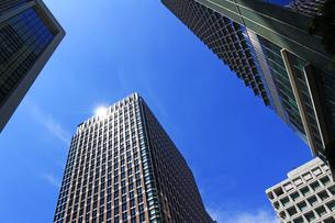 東京の丸の内のビジネス街の写真素材 [FYI01205659]