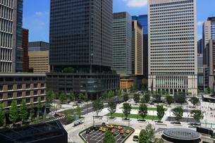 東京の丸の内のビジネス街の写真素材 [FYI01205667]