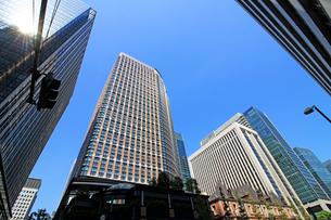 東京の丸の内のビジネス街の写真素材 [FYI01205684]
