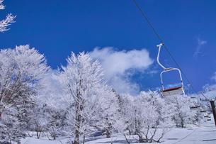 リフトと霧氷の写真素材 [FYI01206121]