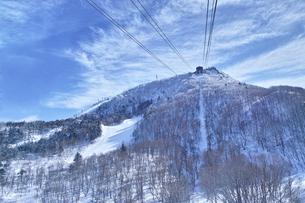 ゴンドラの駅と霧氷の写真素材 [FYI01206332]