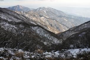 塔ノ岳より大山と三ノ塔の写真素材 [FYI01206345]
