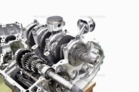大型バイクエンジンの整備の写真素材 [FYI01206472]