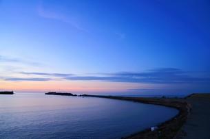 静寂感の海の写真素材 [FYI01206541]