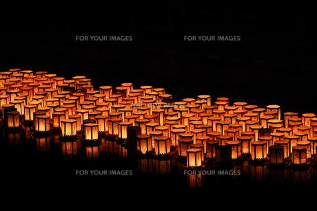 灯篭流しの写真素材 [FYI01206926]