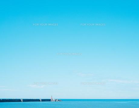 日本海の水平線の写真素材 [FYI01207440]